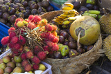 Indonesia, Bali. Morning Flowers, Fruit and Vegetable Market Fotografisk tryk af Emily Wilson