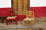 Mexico, Jalisco, San Sebastian del Oeste. Rustic Door and Chairs Fotografiskt tryck av Steve Ross