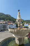 Portugal, Sintra, Sintra Palace Fountain Overlooking the Main Square Photographie par Jim Engelbrecht