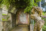 Statue at Giardino Bardini, UNESCO, Firenze, Tuscany, Italy Photo by Nico Tondini