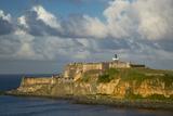 Sunset over Fortress El Morro, Old Town, San Juan, Puerto Rico Foto von Brian Jannsen