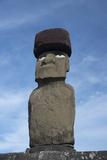 Chile, Easter Island, Hanga Roa. Ahu Tahai, Standing Moai Statue Photo af Cindy Miller Hopkins