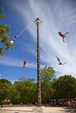 Papantla Flying Men Ceremony. Xcaret, Riviera Maya, Yucatan, Mexico Photographie par Charles O. Cecil