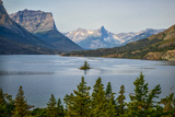 Montana, Glacier NP, Wild Goose Island Seen from Going-To-The-Sun Road Photo by Rona Schwarz