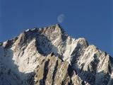 USA, California, View of Lone Pine Peak at Sierra Nevada Photo by Zandria Muench Beraldo