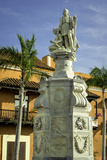 Statue of Christopher Columbus, Old City, Cartagena, Colombia Fotografía por Jerry Ginsberg