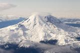USA, Washington State, Mt Rainier with Cap Cloud Photographie par Trish Drury
