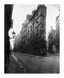 Paris, 1908 - Vieille Cour, 22 rue Quincampoix - Old Courtyard, 22 rue Quincampoix Prints by Eugene Atget