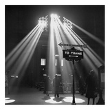 Sunbeams in Chicagos Union Station, 1943 Art by Jack Delano