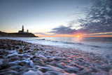 Sunrise at Montauk Point Lighthouse Papier Photo par Robbie George