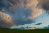 Dramatic Clouds Soar over Montana's Gallatin Valley Near Bozeman Lámina fotográfica por Gordon Wiltsie