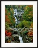 Un ruisseau sillone les rochers Photographie encadrée par Medford Taylor