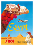 Egypt - TWA (Trans World Airlines) - Egyptian Camels, Pyramid, Sphinx Poster von David Klein