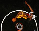 Cleveland Cavaliers v Brooklyn Nets Foto von Al Bello