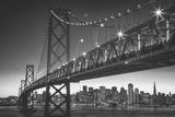 Classic San Francisco in Black and White, Bay Bridge at Night Fotografisk tryk af Vincent James