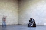 Mother with Her Dead Son, Statue by Käthe Kollwitz, Neue Wache, Berlin, Germany Fotografisk trykk av Felipe Rodriguez