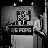 Alan Freeman Performing at the Rehearsals Fortop of the Pops, 25th May 1967 Fotoprint