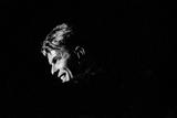 David Bowie Performing on Stage at the Barrowlands in Glasgow. Scotland. Fotografisk trykk av John Gunion