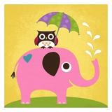 Elefant og ugle med paraply Posters af Nancy Lee