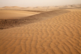 View of desert sand dunes with windblown sand, Sahara, Morocco, may Fotografisk tryk af Bernd Rohrschneider