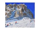 Skiing Down the Mountain, Selva Gardena Impressão giclée por Andrew Macara