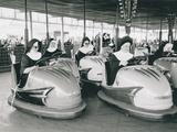 Nuns Driving Bumper Cars, France - Reprodüksiyon
