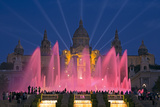 Fountains in Front of the National Museum of Art, Plaza D'Espanya, Barcelona Fotografisk tryk af Gavin Hellier