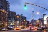 One World Trade Center from 7th Avenue, Greenwich Village, Manhattan, New York City, New York, USA Reproduction photographique par Jon Arnold