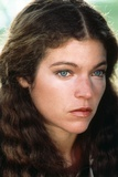 Amy Irving Looking Away from the Camera in a Close Up Portrait Fotografía por Movie Star News