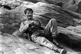 Jack Palance Lying on Rock With Gun Photo af  Movie Star News