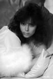 Rachel Ward Leaning on Couch with Fur Scarf Black and White Portrait Photo by  Movie Star News