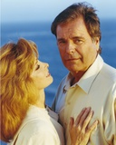 Hart To Hart Man in Polo and Woman in White Blouse Photographie par  Movie Star News