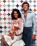 Carpenters Man in Blue Long Sleeve Polo with Lady in Dress Foto von  Movie Star News