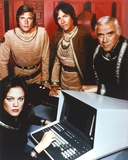 Battlestar Galactica Group Picture in Red Background Photographie par  Movie Star News