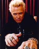 Billy Idol Posed wearing Black Outfit with Red Curtain Background Foto af  Movie Star News