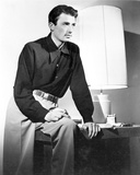 Gregory Peck Posed wearing Black Long Sleeves Photo af Movie Star News