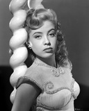 Gloria DeHaven Leaning On A Pole in Fancy Dress in Black and White Foto av  Movie Star News