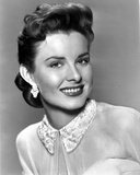 Jean Peters on smiling Portrait Photo by  Movie Star News