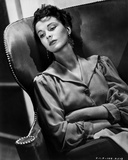 Vivien Leigh Seated with Arms Crossed Photo by  Movie Star News