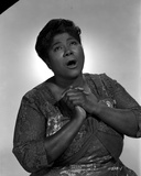 Mahalia Jackson singing in Floral Blouse with White Background Foto von  Movie Star News