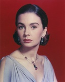Jean Simmons Close-up Portrait in Grey Tweed Sleeveless Dress and Gold Necklace with Dangling Earri Photo af Movie Star News