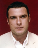 Liev Schreiber Close-up Portrait in Red Background Photo af Movie Star News