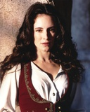 Madeleine Stowe Posed in White Dress with Red Vest Foto af  Movie Star News