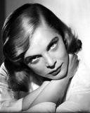 Lizabeth Scott Portrait in Classic in White Sleeves Photo af Movie Star News