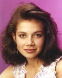 Justine Bateman Head Shot Portrait Photo by  Movie Star News