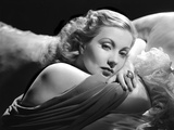 Ann Sothern Lying on the Bed Foto af  Movie Star News