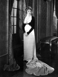 Corrinne Griffith on a standing With Hands Holding Photo by  Movie Star News