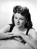 Barbara Hale Leaning Portrait Photo by  Movie Star News