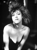 Bernadette Peters Posed in Black Column Dress Leaning Forward Photo by  Movie Star News