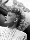 Betty Hutton on a Side view Pose Portrait Photo by  Movie Star News